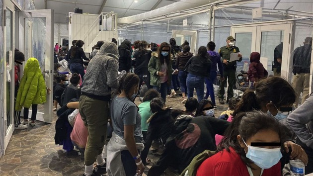 New photos show migrants in overcrowded Border Patrol facility inTexas - National News