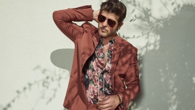 Fans celebrate Robin Thicke's classic R&B hits - Music News